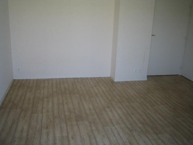 Rental apartment Vannes 320€ CC - Picture 2