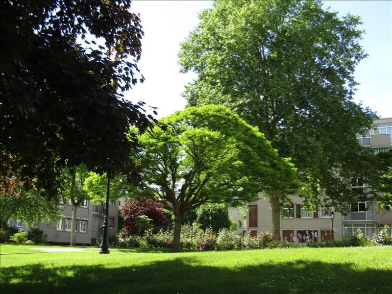 Sale apartment Maisons-laffitte 250 000€ - Picture 1
