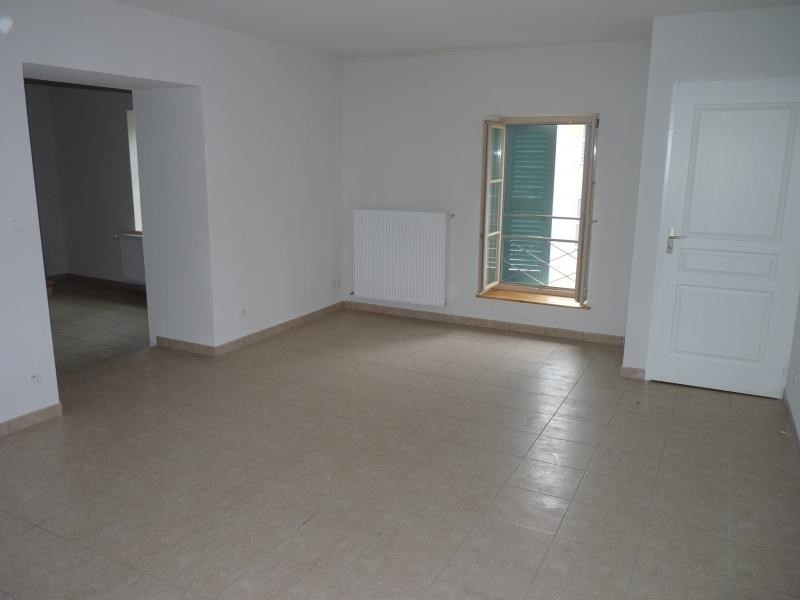 Rental apartment Nantua 545€ CC - Picture 1