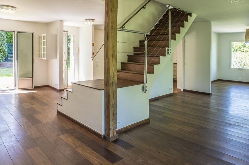 Sale house / villa Montfort l amaury 484000€ - Picture 1