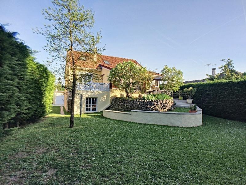 Sale house / villa Melun 350000€ - Picture 1