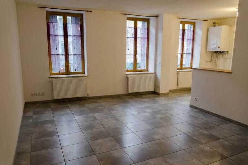 Location appartement Nantua 419€ CC - Photo 2