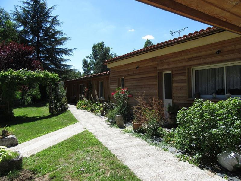 Sale house / villa Champcevinel 291500€ - Picture 2