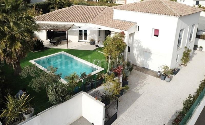 Deluxe sale house / villa Frejus 750000€ - Picture 1