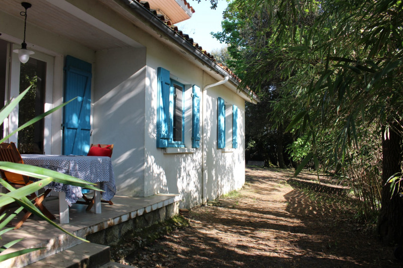 Vacation rental house / villa Saint georges de didonne 1 108€ - Picture 1
