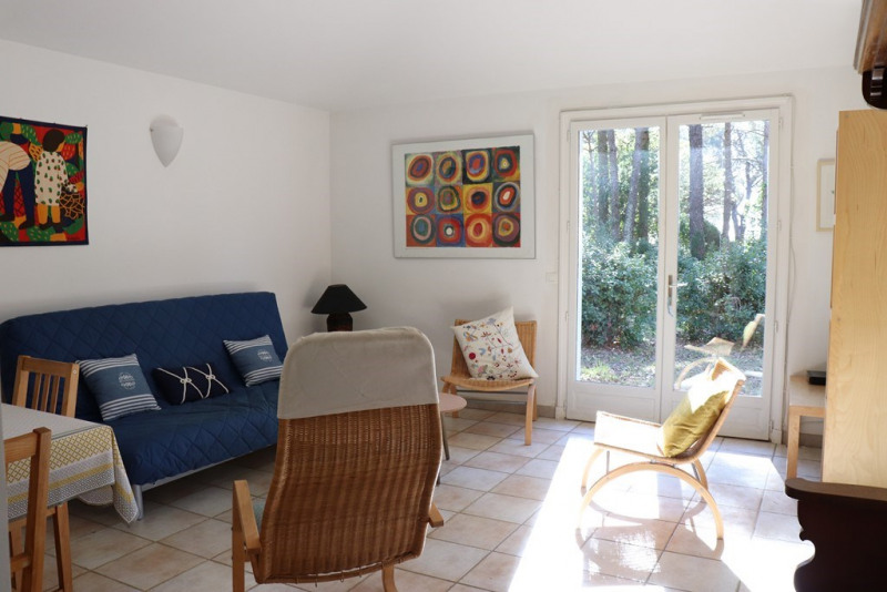 Vacation rental house / villa Cavalaire sur mer 1 300€ - Picture 5