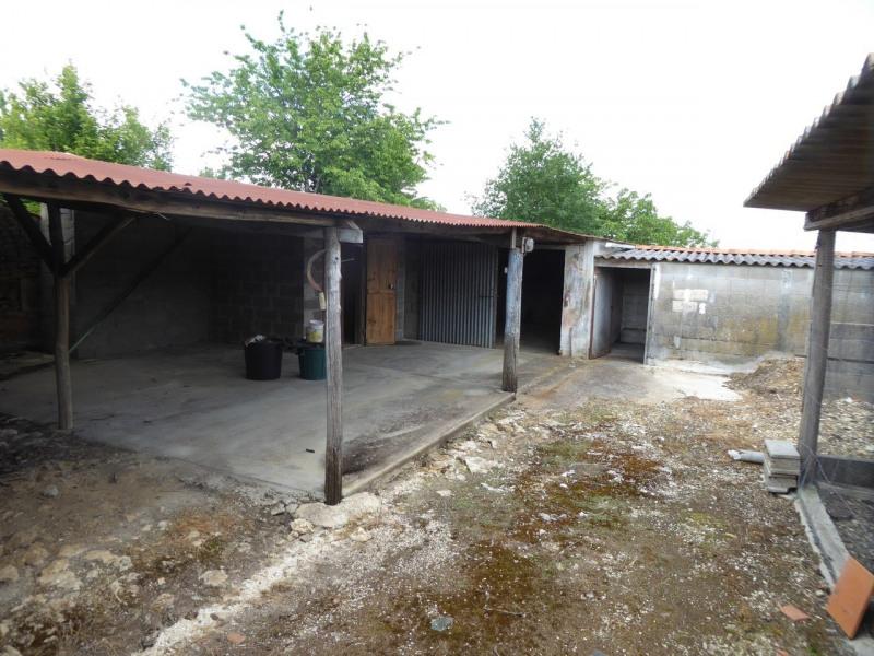 Vente maison / villa Burie 117480€ - Photo 8