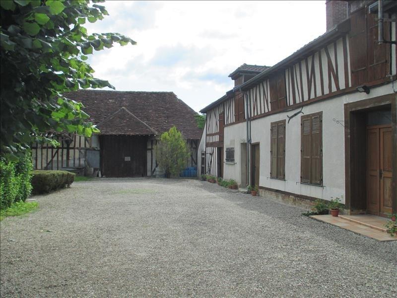 Sale house / villa St andre les vergers 220000€ - Picture 1