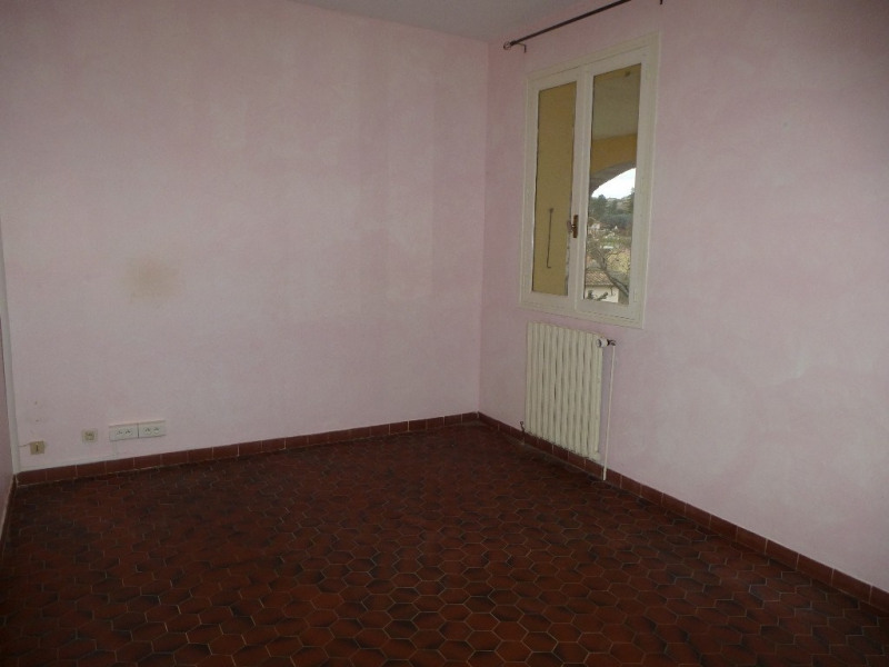 Location maison / villa Villeneuve-de-berg 850€ CC - Photo 9