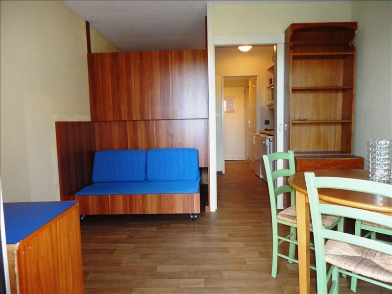 Location appartement Hyeres 492€ CC - Photo 1