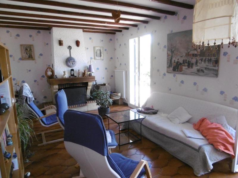 Rental house / villa La giraudiere 989€ CC - Picture 3