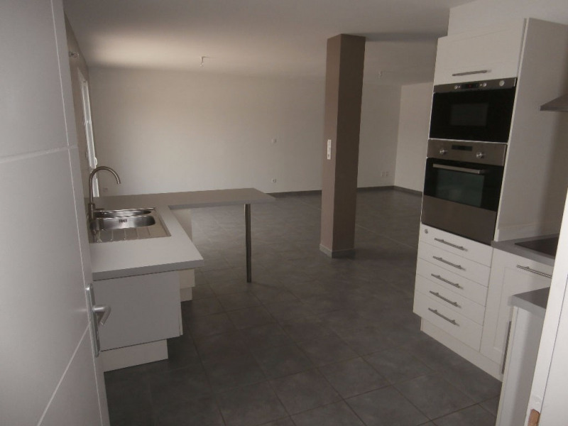 Location maison / villa Bourgoin jallieu 870€ CC - Photo 6