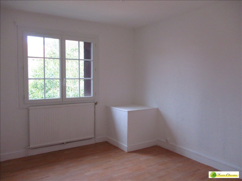 Rental house / villa Angouleme 720€ CC - Picture 5