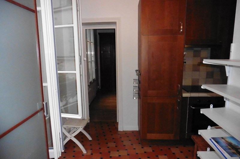Location appartement Paris 10ème 758€ CC - Photo 2