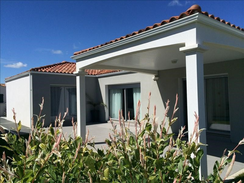 Deluxe sale house / villa St vincent sur jard 555000€ - Picture 2