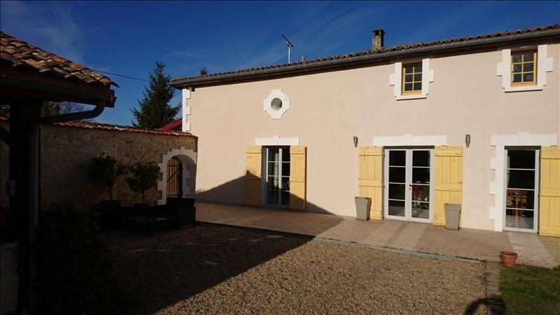 Sale house / villa Montendre 495000€ - Picture 1
