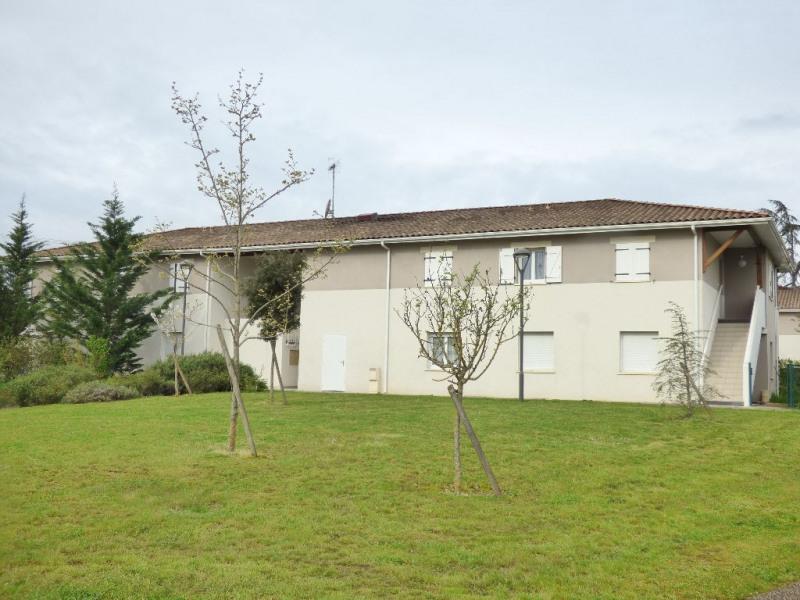 Rental apartment Montussan 571€ CC - Picture 1