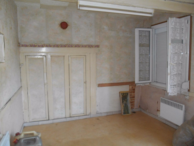 Sale house / villa Crevecoeur le grand 76 000€ - Picture 4