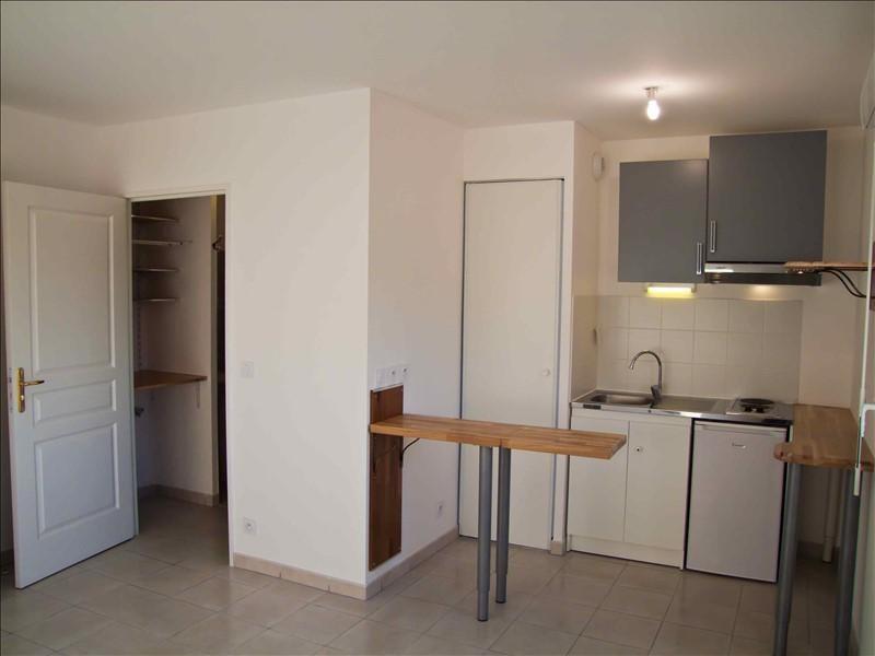 Rental apartment Marseille 5ème 490€ CC - Picture 1