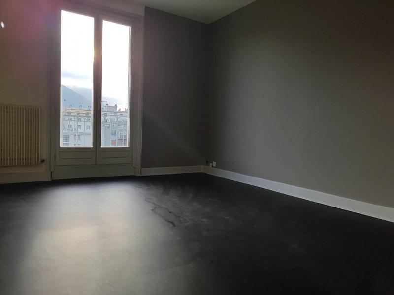 Location appartement Annemasse 900€ CC - Photo 3