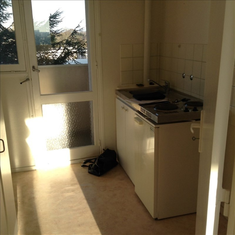 Rental apartment St quentin 585€ CC - Picture 1