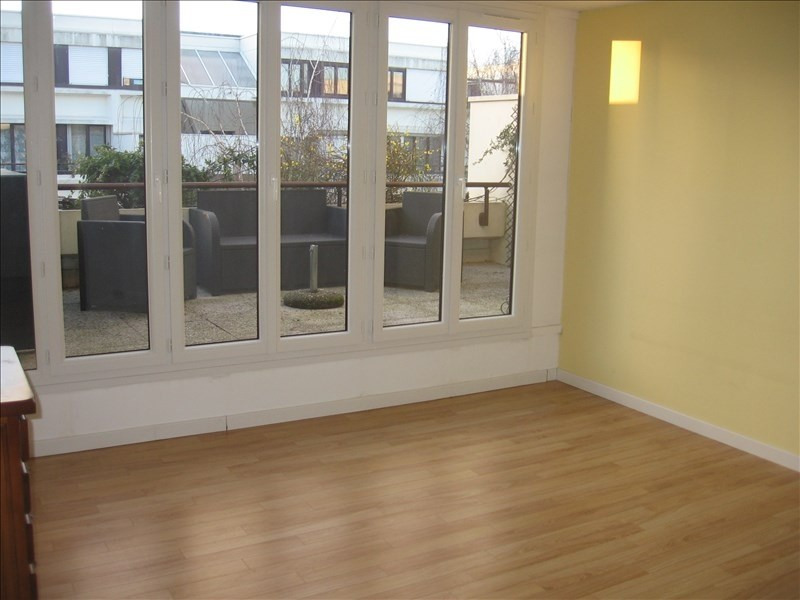 Location appartement Evry 1150€ CC - Photo 2