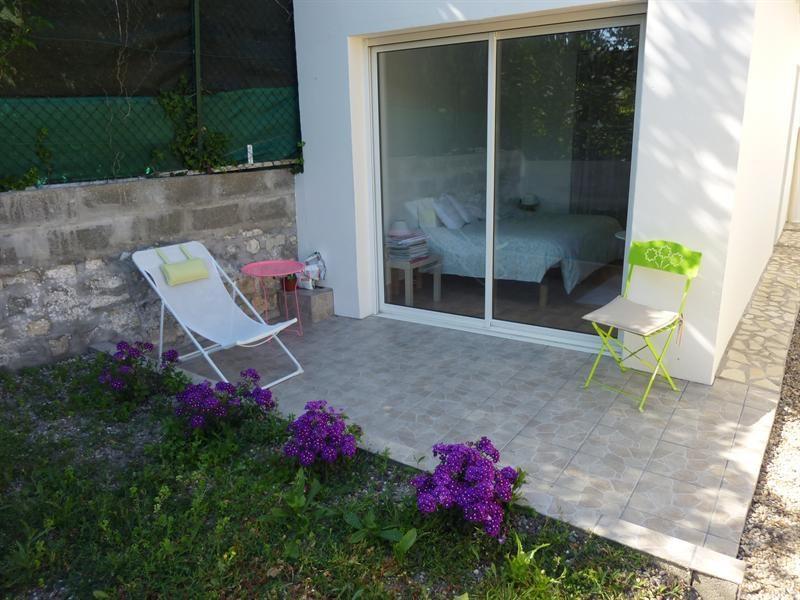 Rental apartment Saintes 372,20€ CC - Picture 1