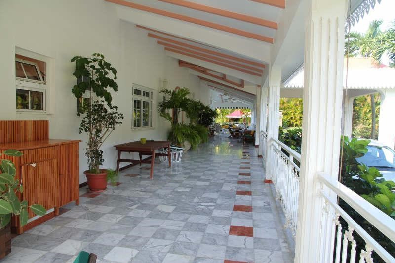 Deluxe sale house / villa St claude 980 700€ - Picture 3