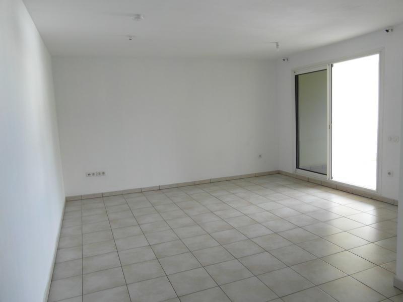 Sale apartment St denis 140000€ - Picture 2