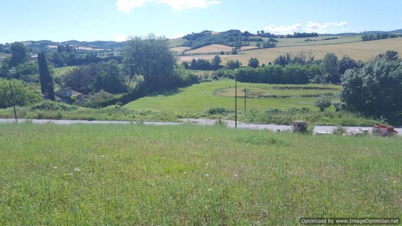 Terrain de 990 m² viabilisé avec vues dégagées