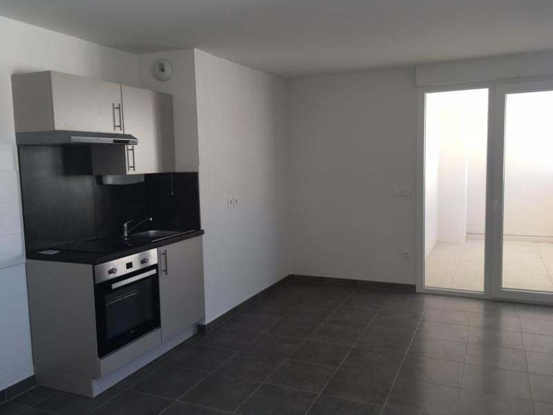 Deluxe sale apartment Lunel 98 500€ - Picture 2