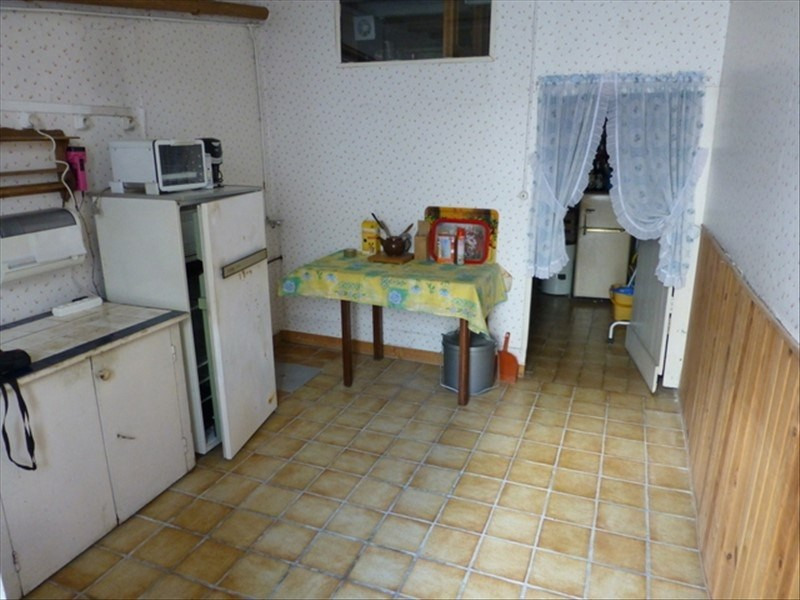 Sale house / villa St jean d angely 32700€ - Picture 5