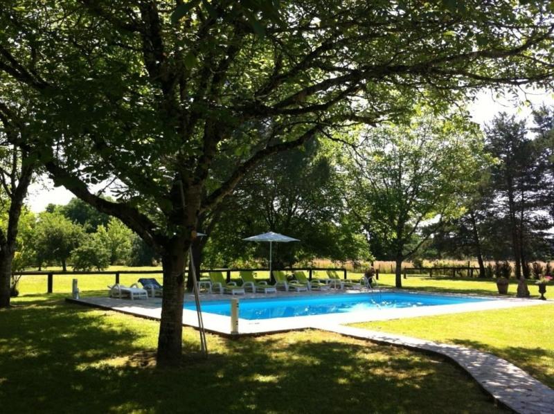 Sale house / villa Mouleydier 493500€ - Picture 2