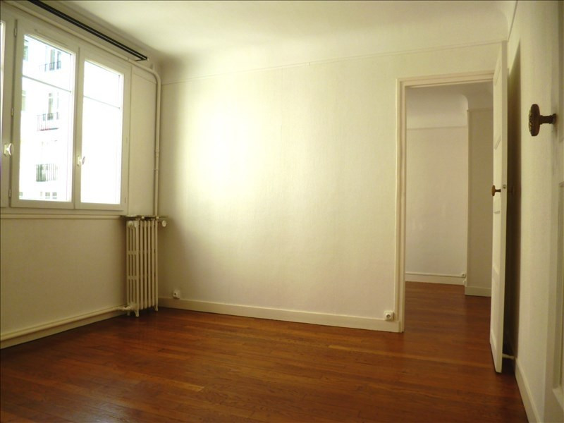 Alquiler  apartamento Paris 18ème 1515€ CC - Fotografía 2