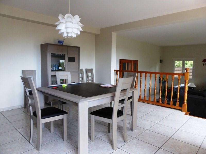 Rental house / villa Maurepas 1838€ CC - Picture 3