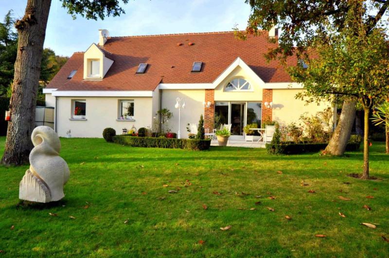 Sale house / villa Forges les bains 540000€ - Picture 1