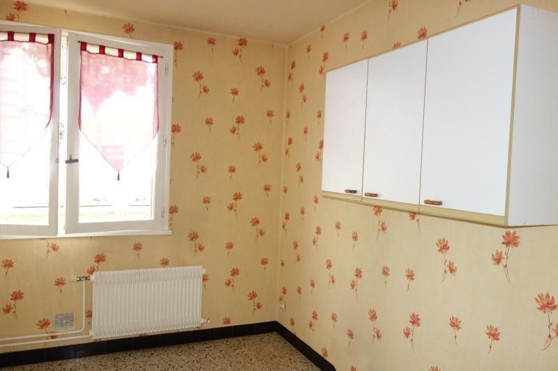 Location appartement Le coteau 360€ CC - Photo 2
