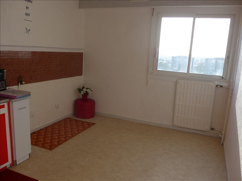 Sale apartment La roche sur yon 77 760€ - Picture 2
