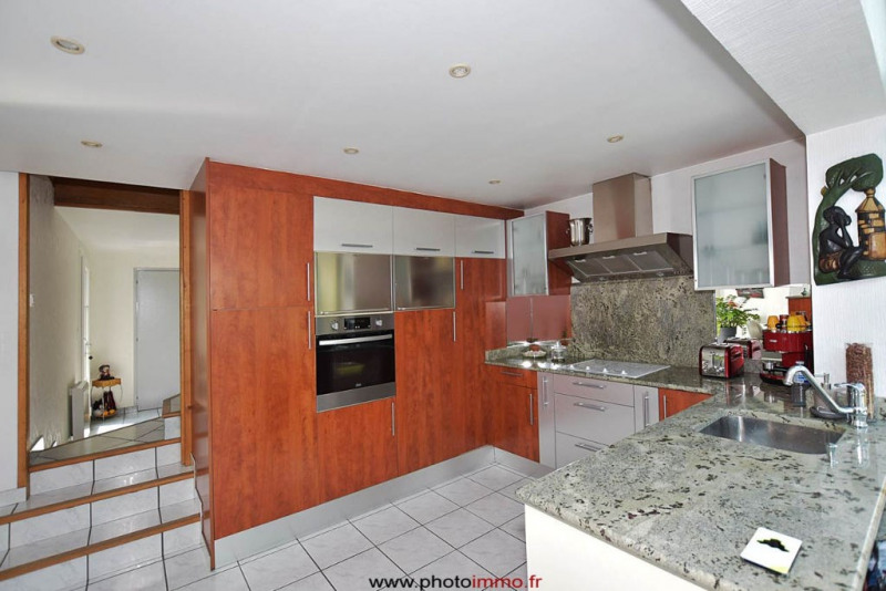 Sale house / villa Clermont ferrand 348600€ - Picture 4