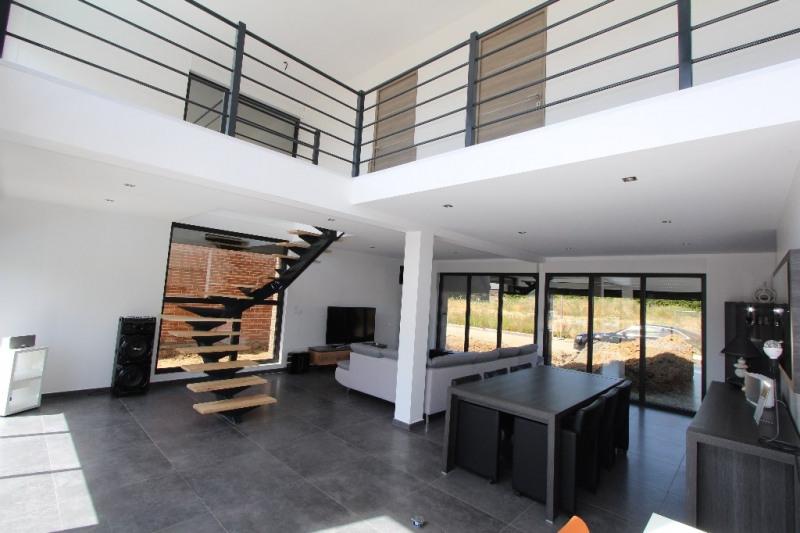 Sale house / villa Moncheaux 332000€ - Picture 2