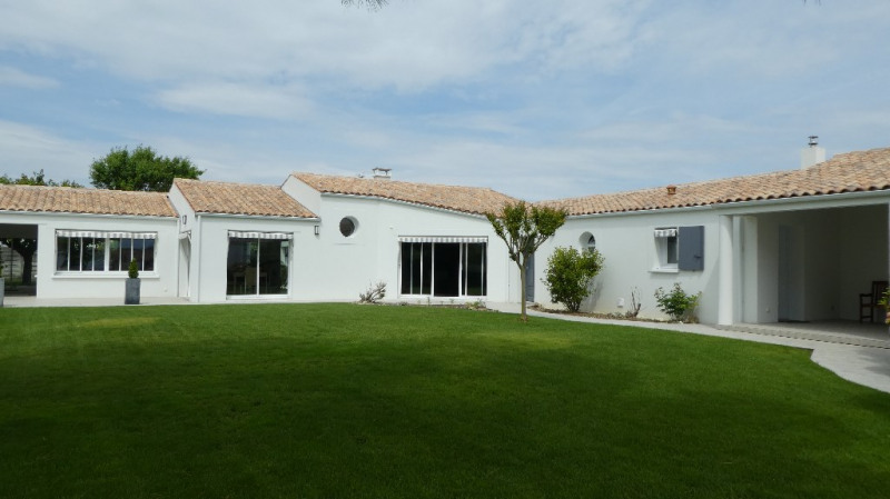 Deluxe sale house / villa Marsilly 875000€ - Picture 1