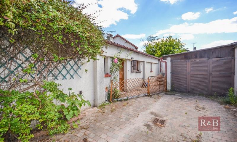 Sale apartment Villepreux 210000€ - Picture 2