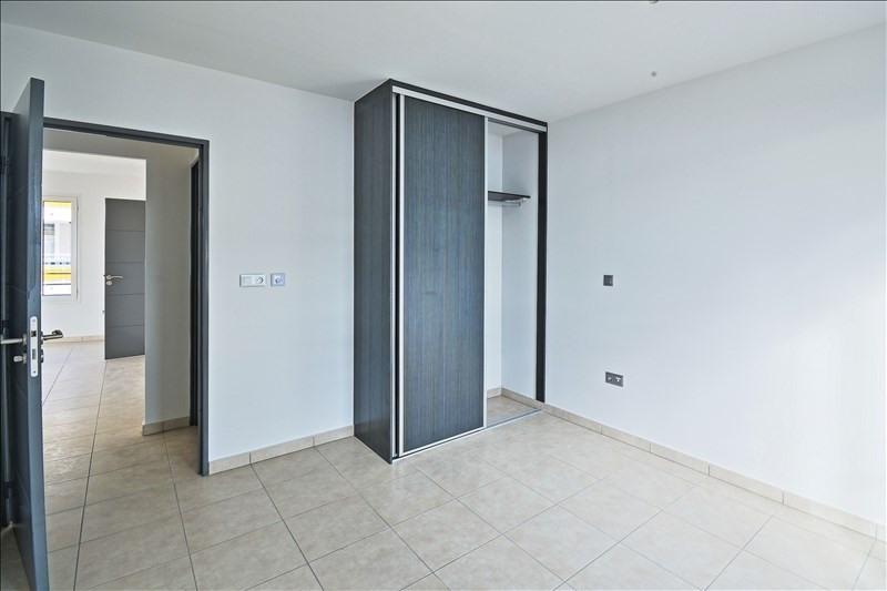 Rental apartment Sainte clotilde 741€ CC - Picture 7