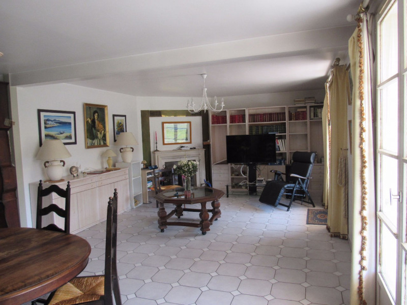 Sale house / villa Lesigny 365000€ - Picture 4