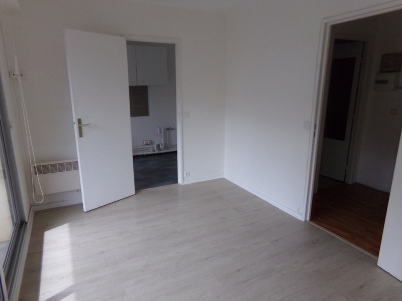 Sale apartment Poissy 160000€ - Picture 2