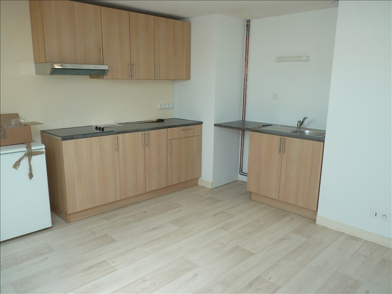 Location appartement La roche sur yon 385€ CC - Photo 1