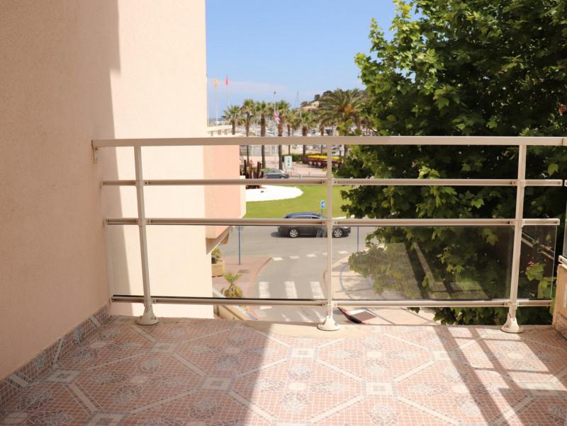 Location appartement Cavalaire sur mer 664€ CC - Photo 3