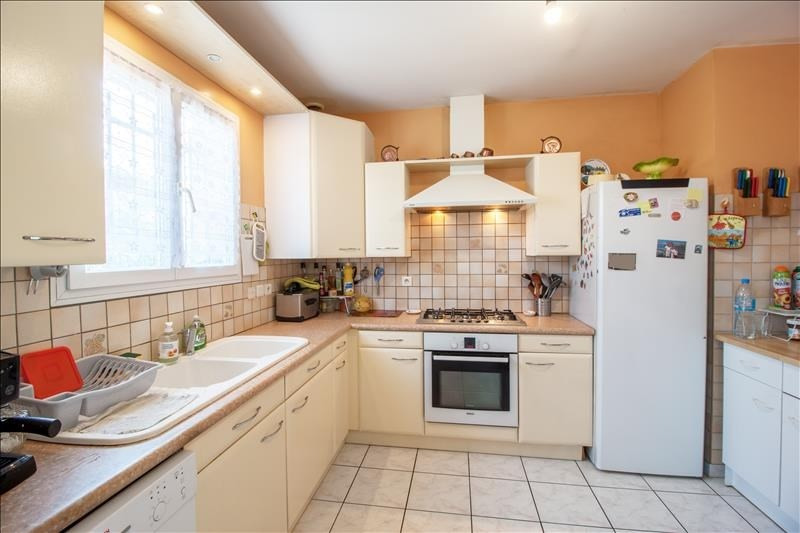 Sale house / villa Lescar 246100€ - Picture 8