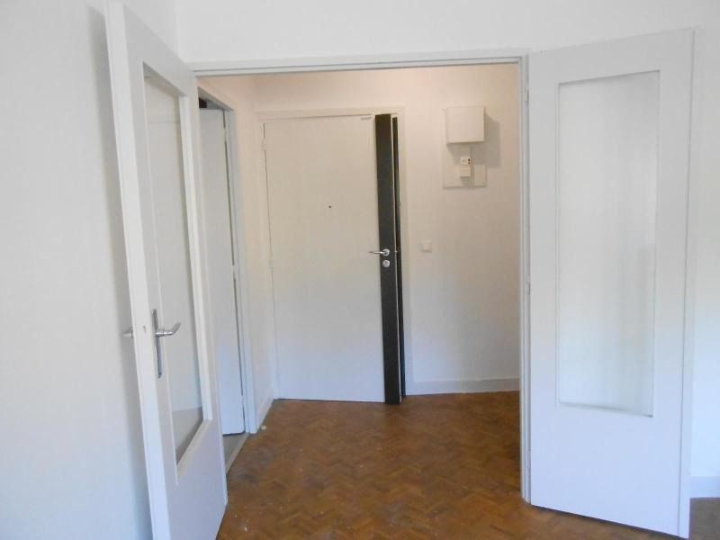 Location appartement Lyon 7ème 706€ CC - Photo 3