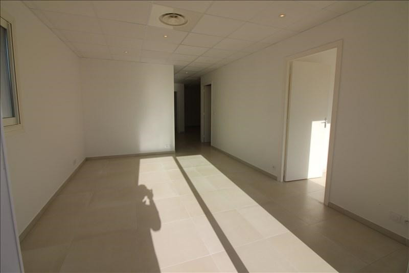 Location local commercial Speracedes 1000€ HT/HC - Photo 2
